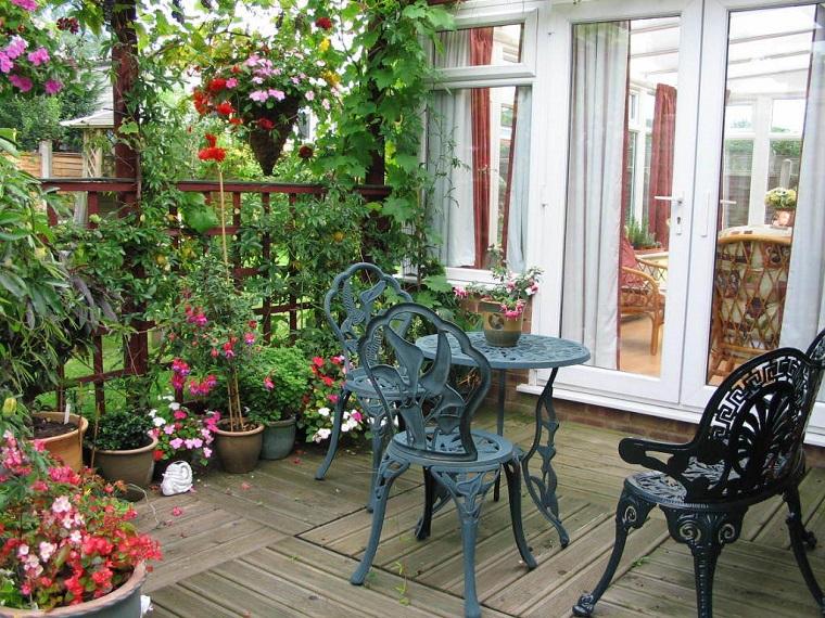 come arredare un terrazzo mobili ferro battuto
