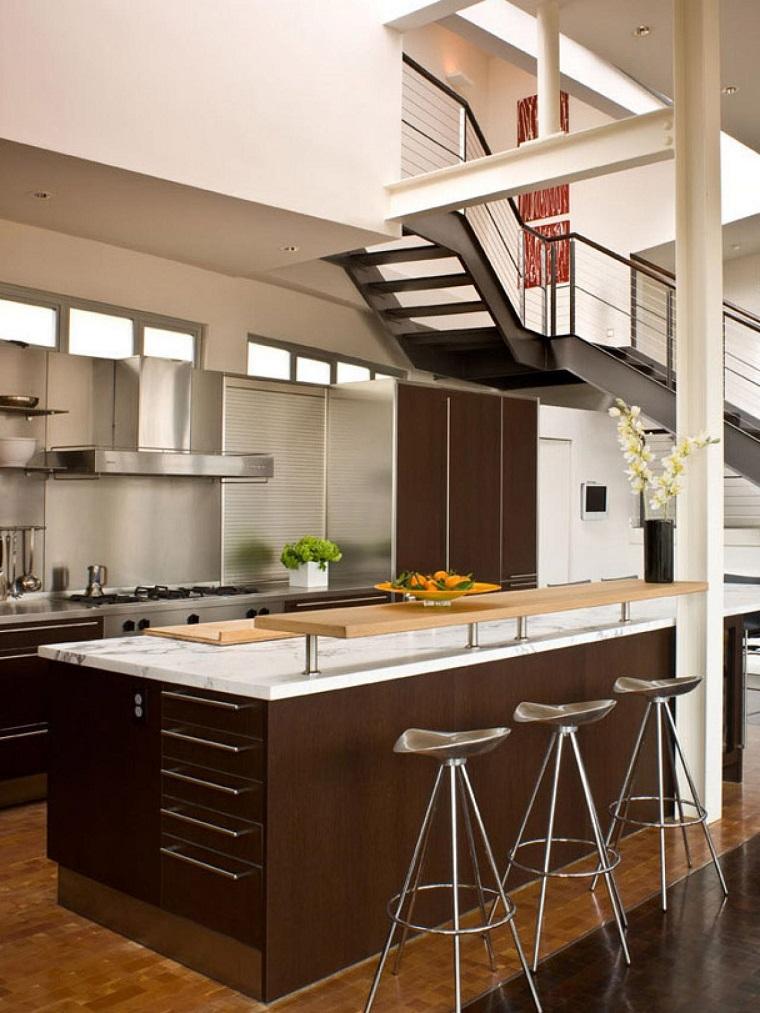 Cucina piccola 24 soluzioni di design per ottimizzare lo spazio - Arredare cucina piccola rettangolare ...
