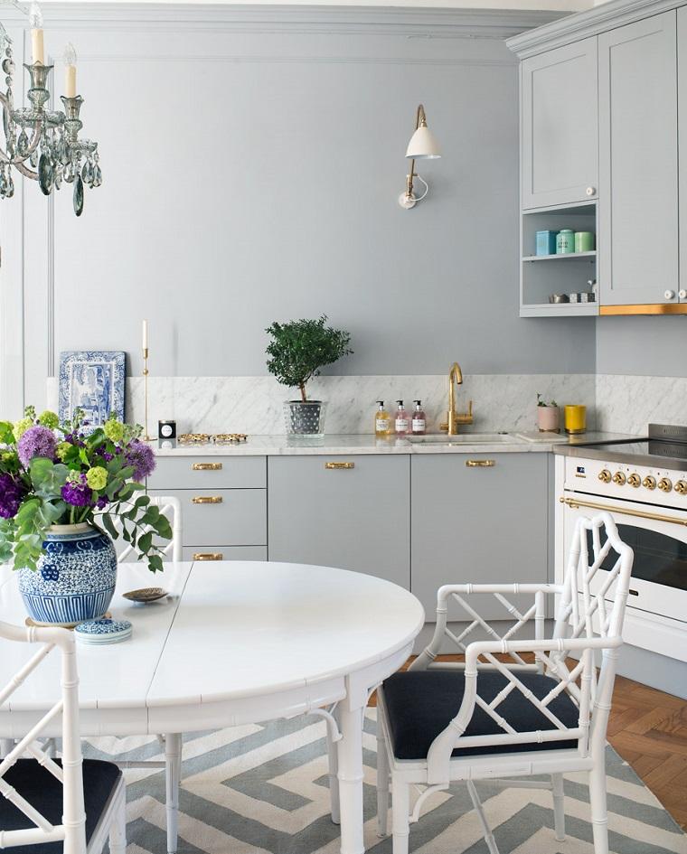 cucina ad angolo proposta stile tradizionale tavolo legno