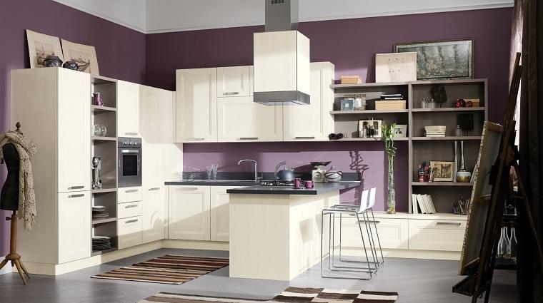 cucina alcuni elementi come maniglie stile vintage parete viola