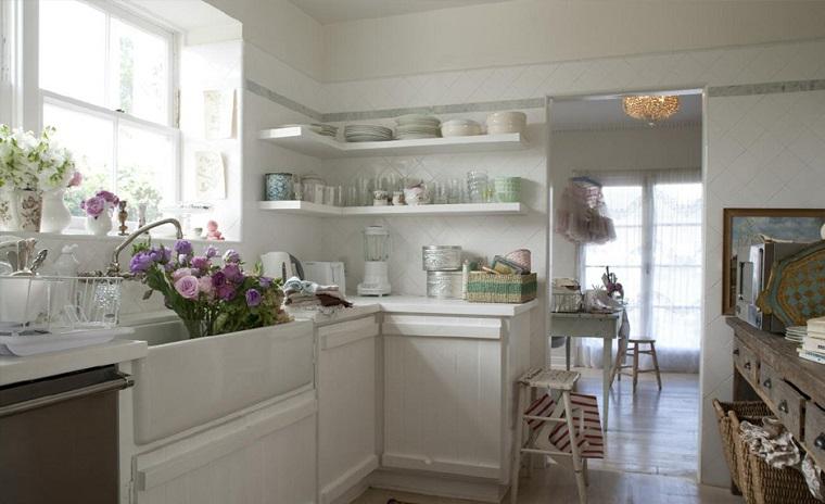 cucina arredata decorata stile shabby chic