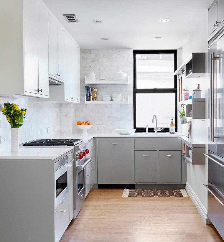 Cucina bianca e grigia: un tocco di stile alla vostra zona giorno ...