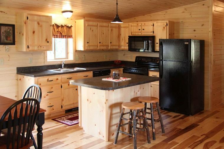 cucina con isola centrale spazi ridotti