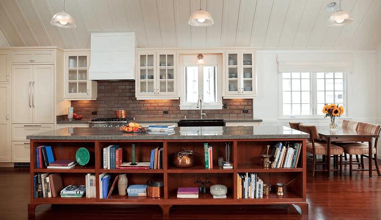 cucina con isola stile country top marmo