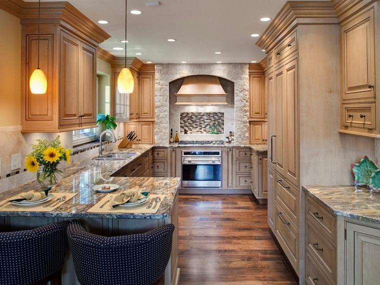 cucina con penisola arredamento stile classico design