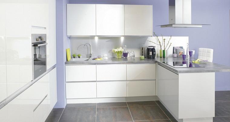 cucina con penisola idea mobili bianchi design moderno