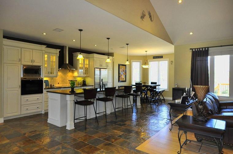 cucina open space mobili bianchi