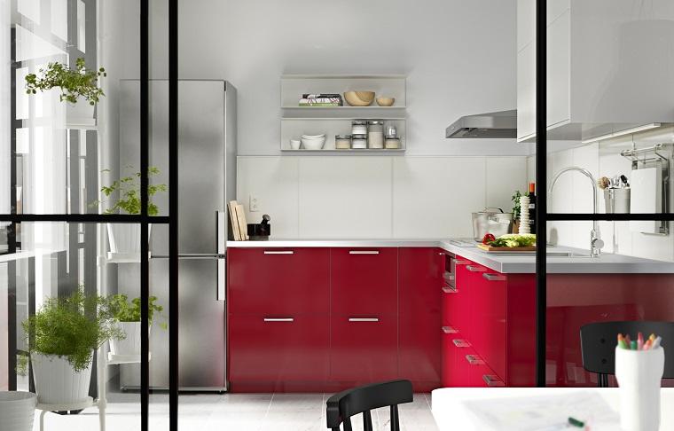 Cucina rossa passione vitalit ed eleganza in un unico - Cucina moderna rossa ...