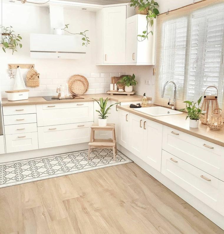 cucine moderne bianche arredamento con mobili di legno top finestra con tende