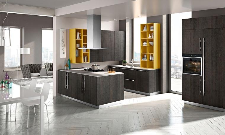 cucine open space grigio accenti gialli