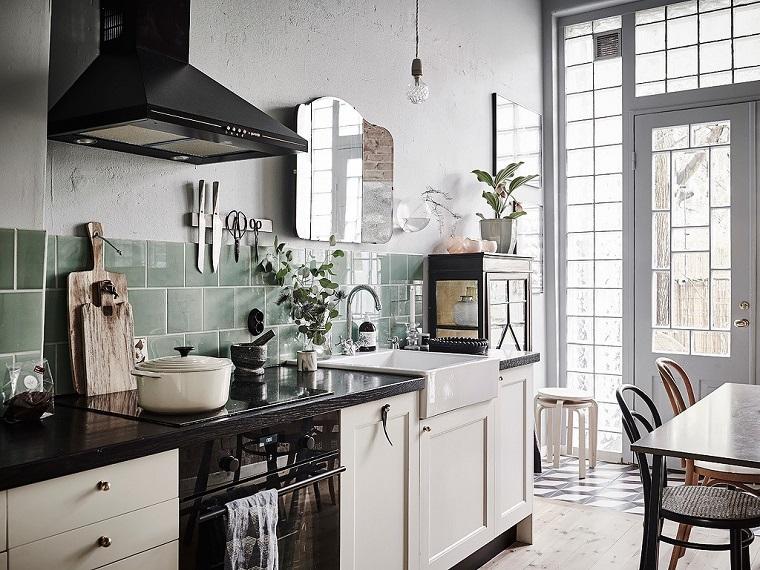 cucine vintage idea mobili colore chiaro top nero