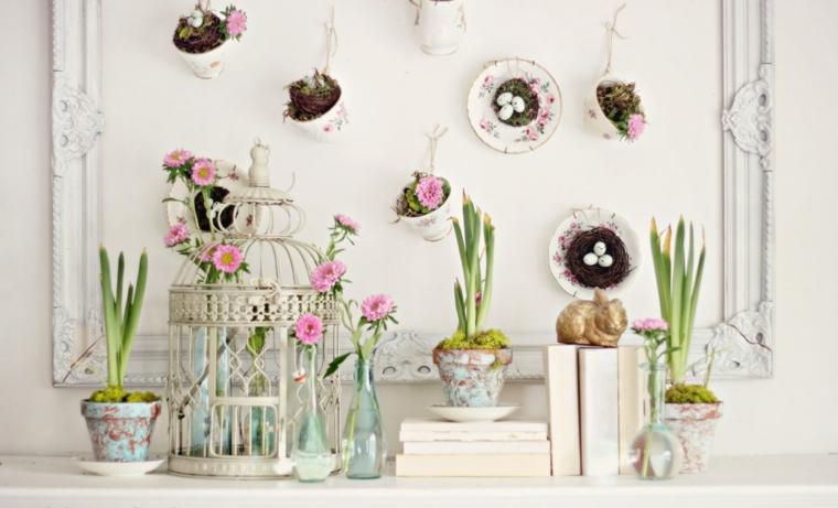 decorazioni design provenzale vasi con fiori piatti appesi alla parete