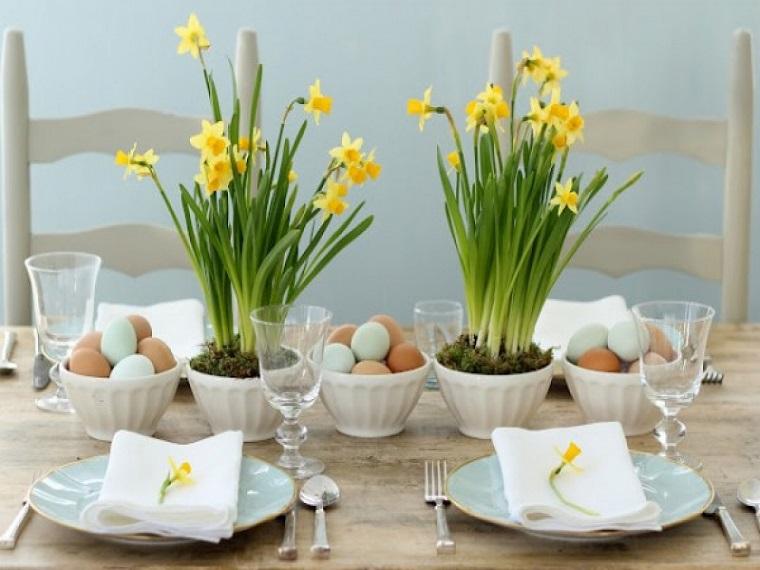 decorazioni di primavera centrotavola fiori gialli