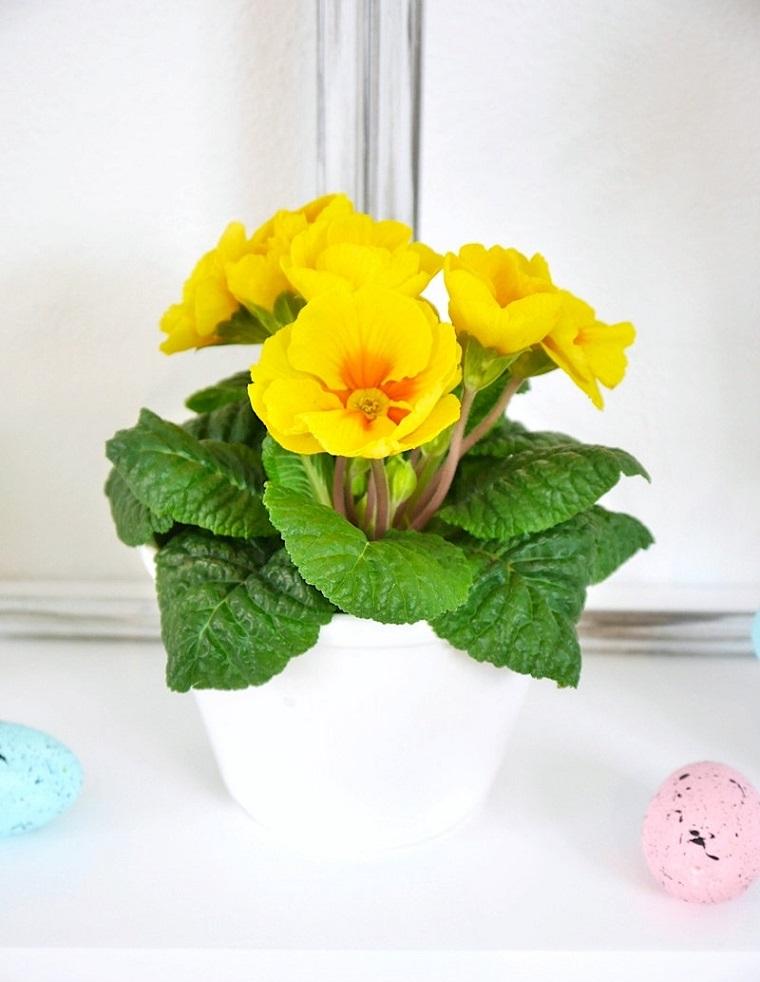 decorazioni di primavera per finestre fiore di colore giallo vaso per davanzale