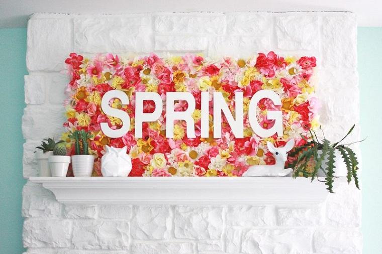 decorazioni di primavera per finestre scritta con lettere in legno sfondo con fiori finti