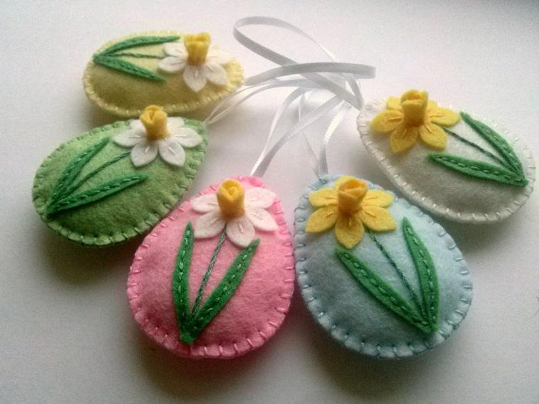 decorazioni di primavera uova stoffa