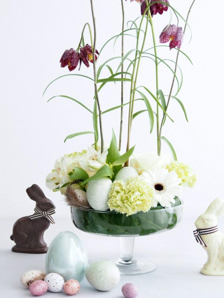 decorazioni uova pasquali centrotavola con fiori coniglietti di cioccolato