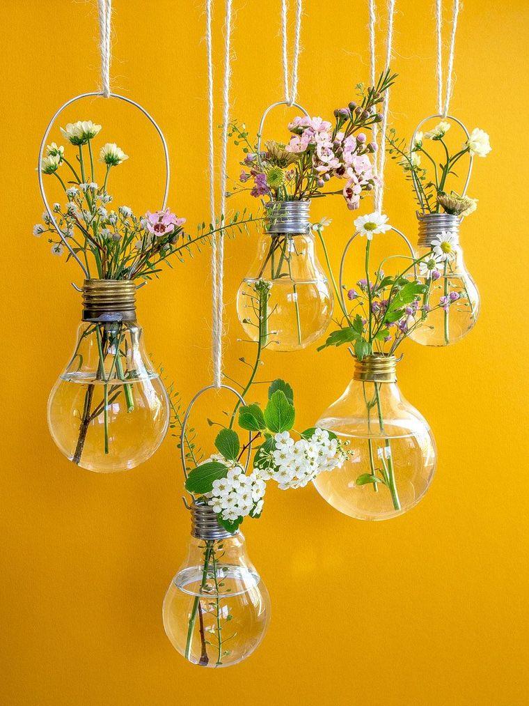 lavoretti di pasqua fai da te lampadine come vasi per fiori parete dipinta di giallo