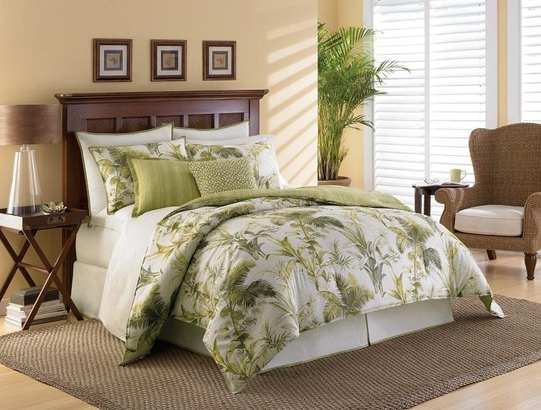 parete beige letto legno