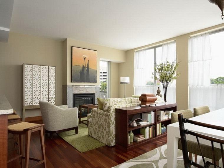 pareti beige salotto pavimento parquet