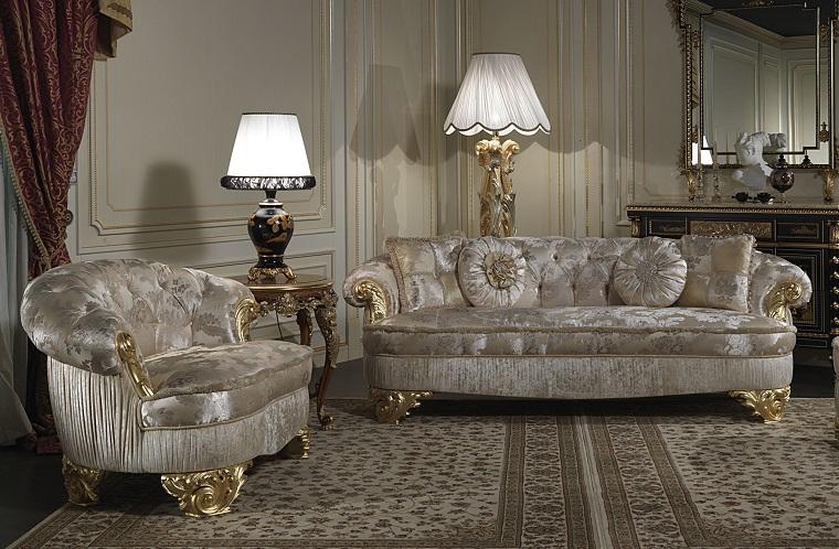 salotto classico arredato decorato tanto gusto lampade