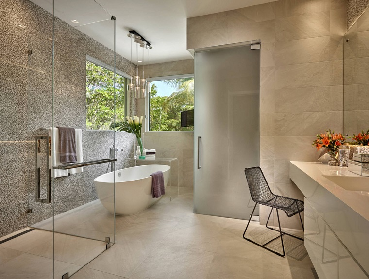 Bagno moderno 100 idee e soluzioni di design per un ambiente confortevole - Arredo bagno 2017 ...