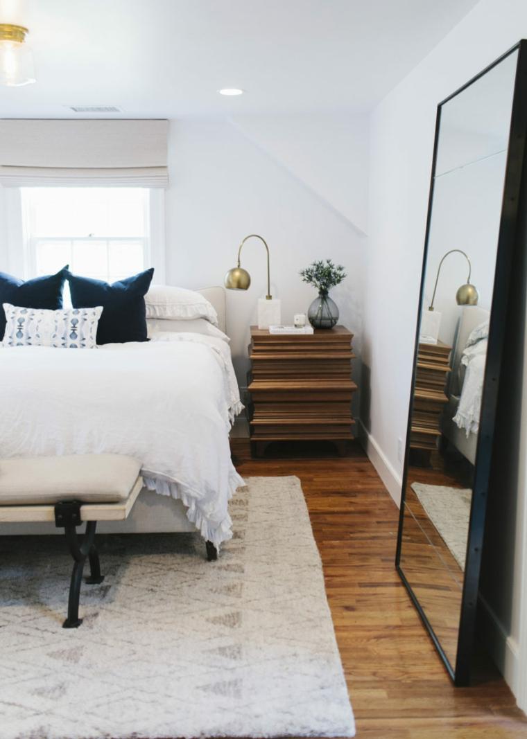 Specchi moderni ecco idee davvero originali per la vostra camera da letto - Centrini moderni per camera da letto ...