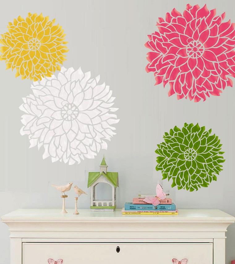 stencil parete grandi fiori colorati