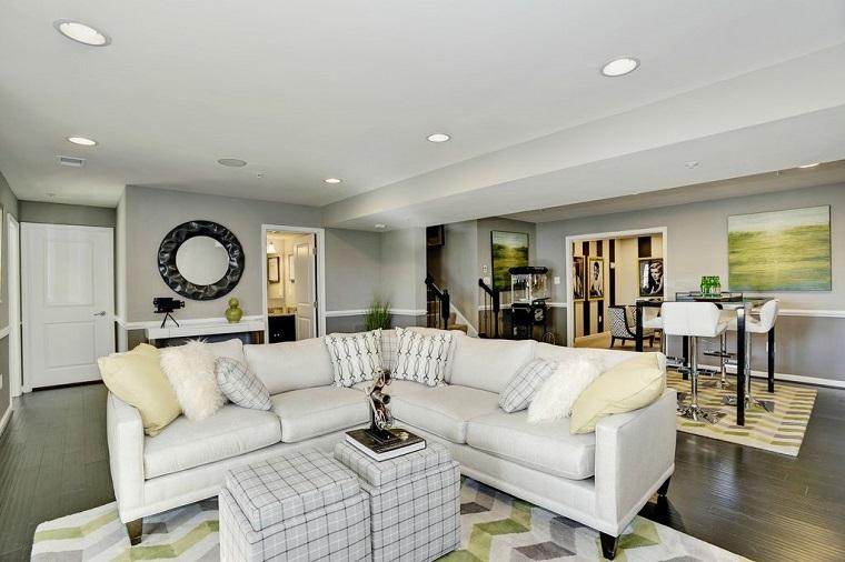 stile contemporaneo arredare soggiorno divano bianco