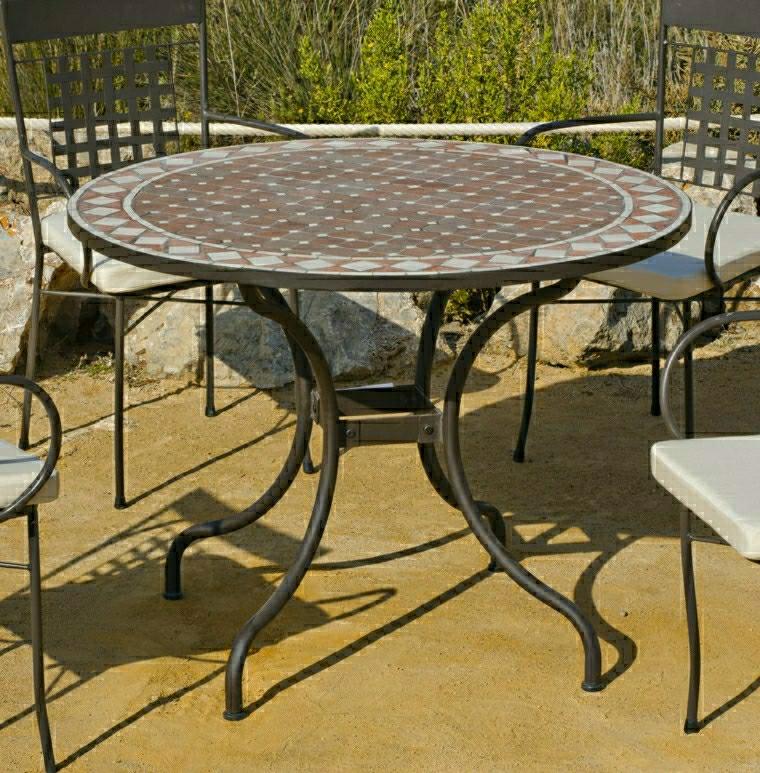 Tavoli in ferro battuto ecco 23 idee davvero originali - Tavolo giardino ferro battuto ...