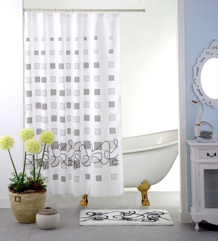 Tende per bagno 24 idee originali fra il classico e il - Tende per bagno classico ...