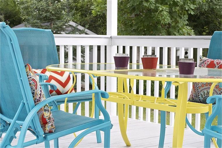 terrazzi balconi tavolo sedie colorati