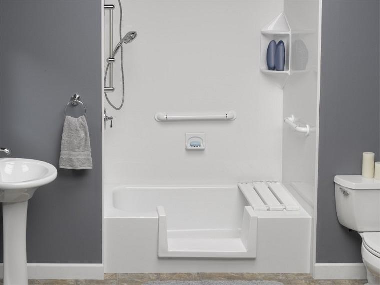 vasca con doccia piccola apertura
