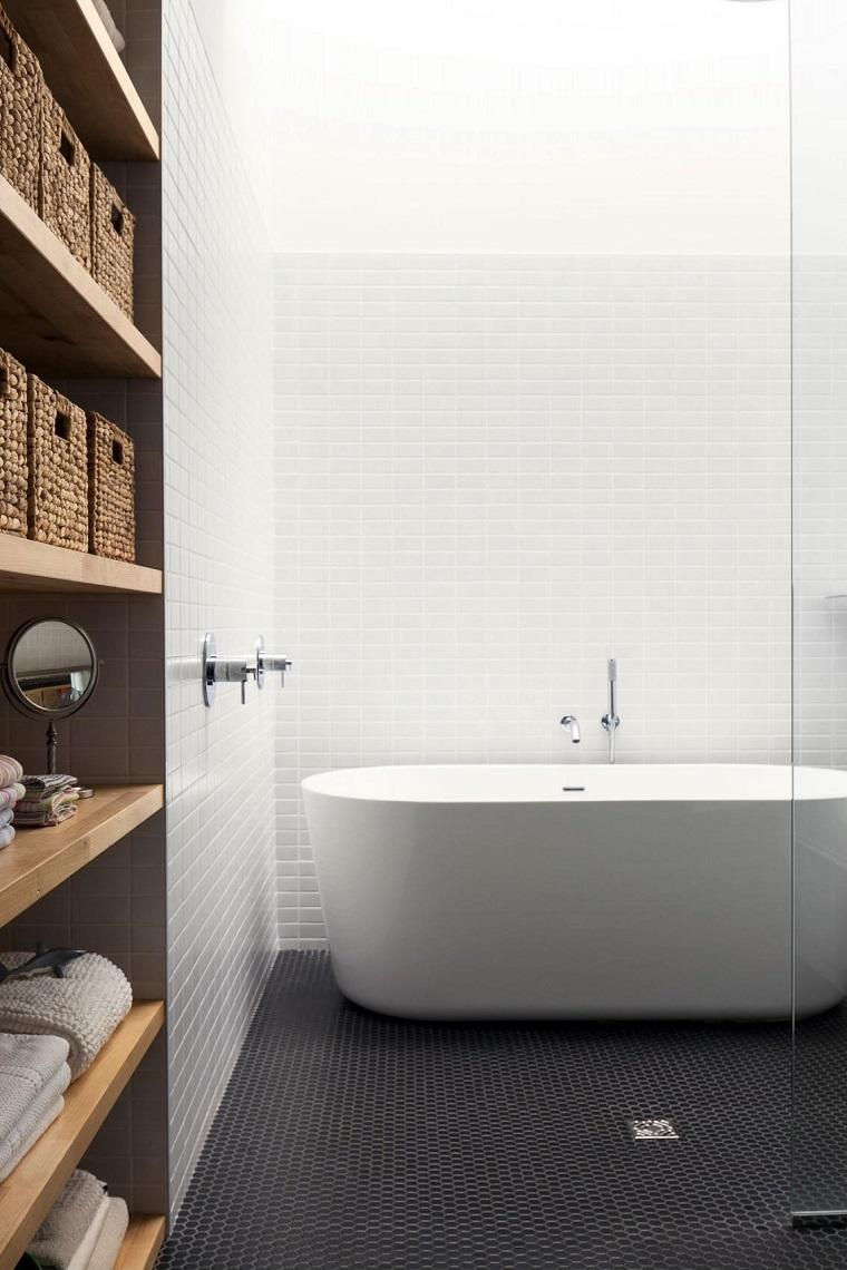 vasca da bagno stile moderno elegante colore bianco