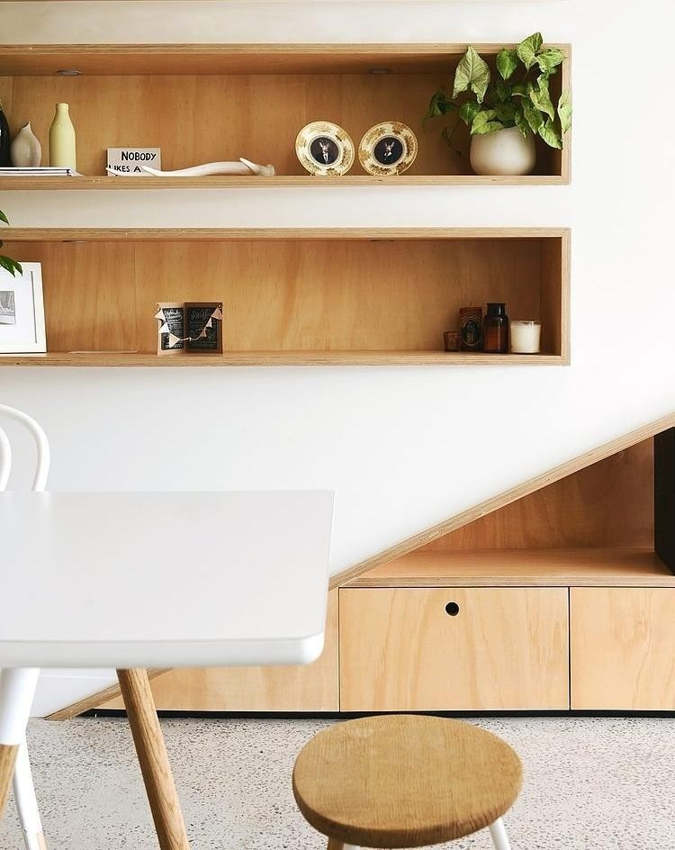 armadio-legno-semplice-funzionale-partico