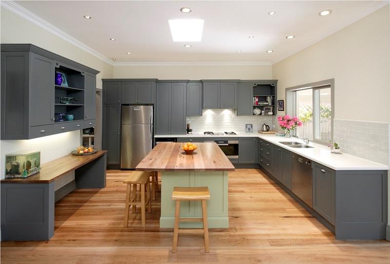 arredamento-classico-moderno-cucina-isola