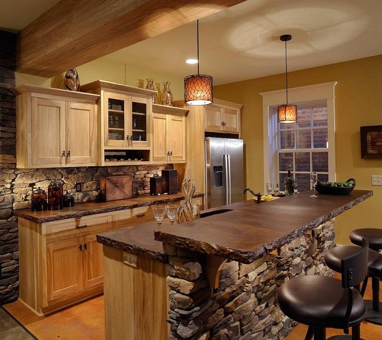 Cucina rustica: legno, pietra ma anche dei tocchi moderni - Archzine.it