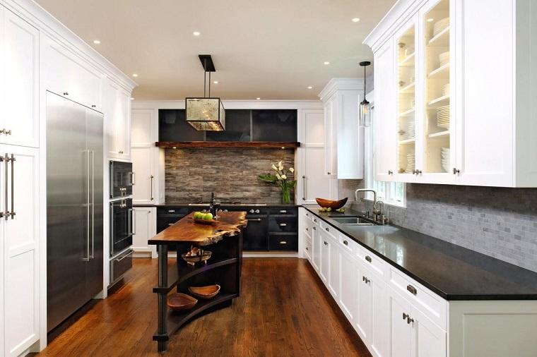 arredamento-cucina-rustica-spazio-lungo-stretto