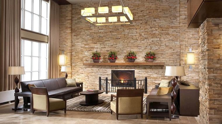 arredamento-salotto-parete-muratura