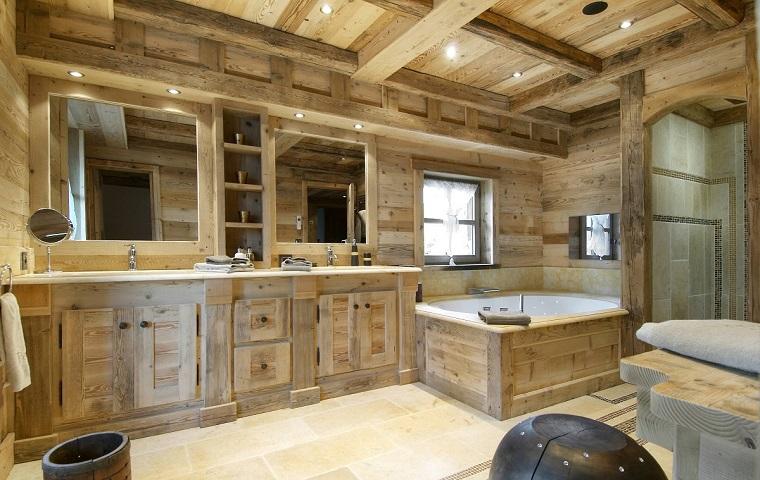 arredare-casa-in-montagna-bagno-legno