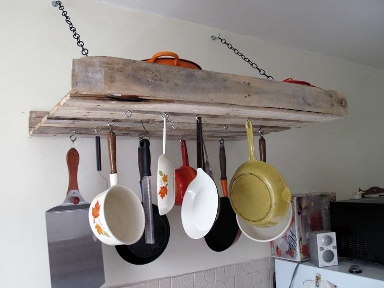 arredare con i bancali-mensole-cucina