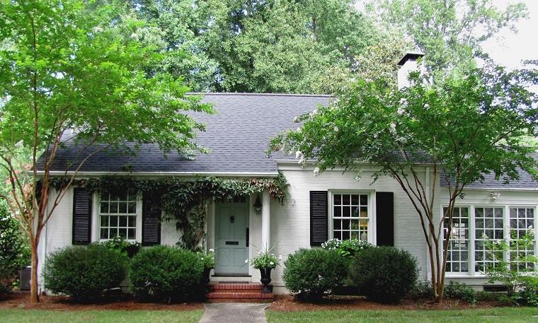 colori-per-esterni-casa-idea-bianco-tetto-grigio