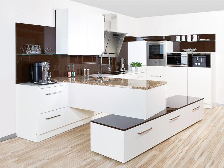 Cucina angolare una configurazione adatta a quasi tutti for Cucina moderna marrone