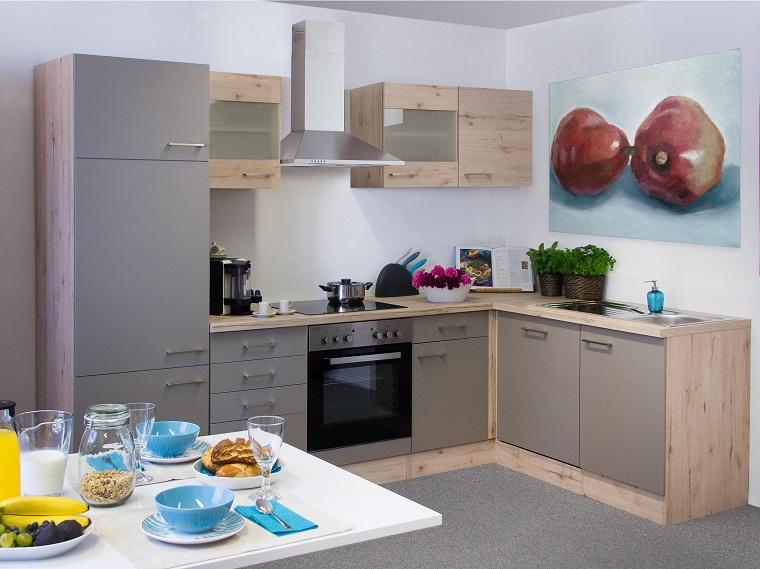cucina angolare-colore-grigio-inserti-legno
