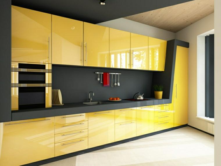 cucina gialla e nera pavimento in piastrelle bianche angolo cottura per open space