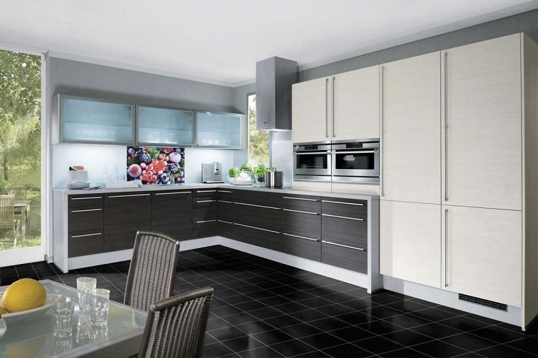 cucine-ad-angolo-design-moderno-paraschizzi-colorato