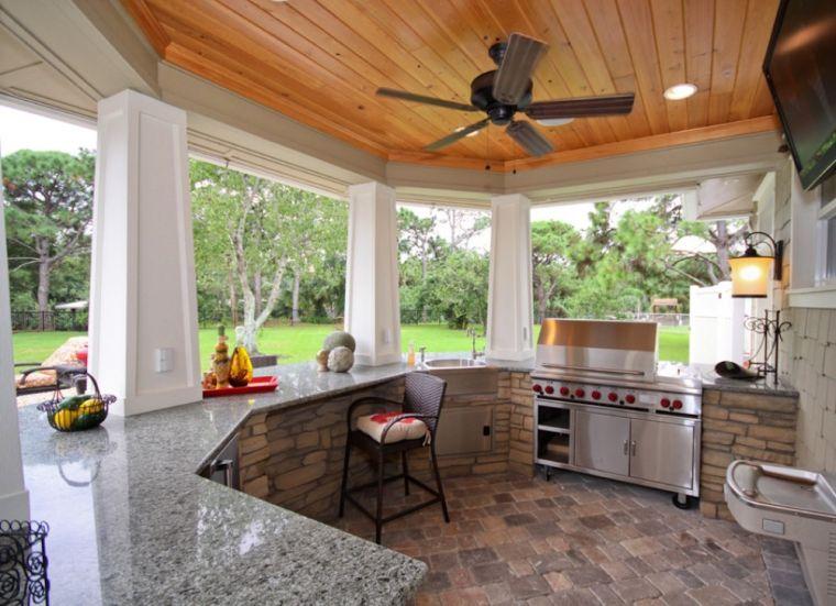 cucine da giardino-soluzione-bar-rivestimento-pietra