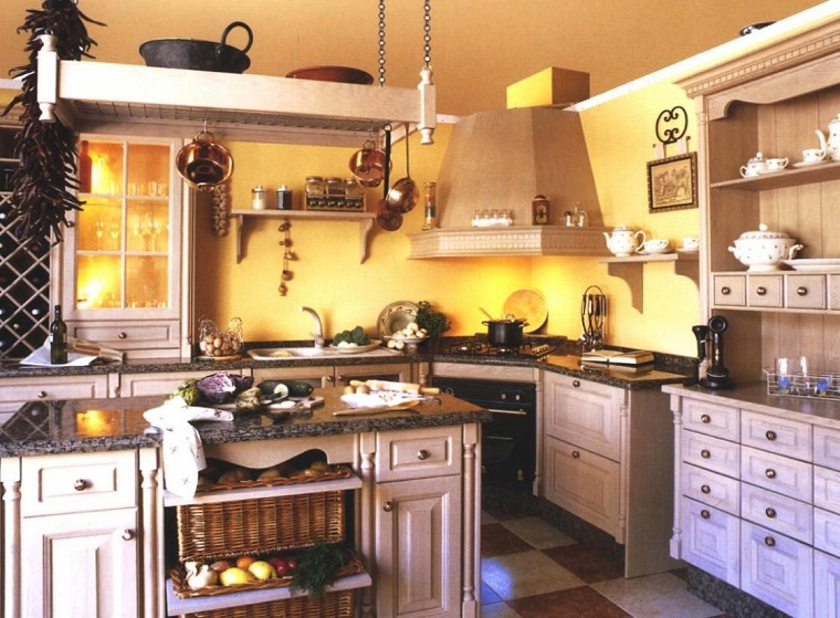 cucine rustiche-mobili-chiari-top-scuro