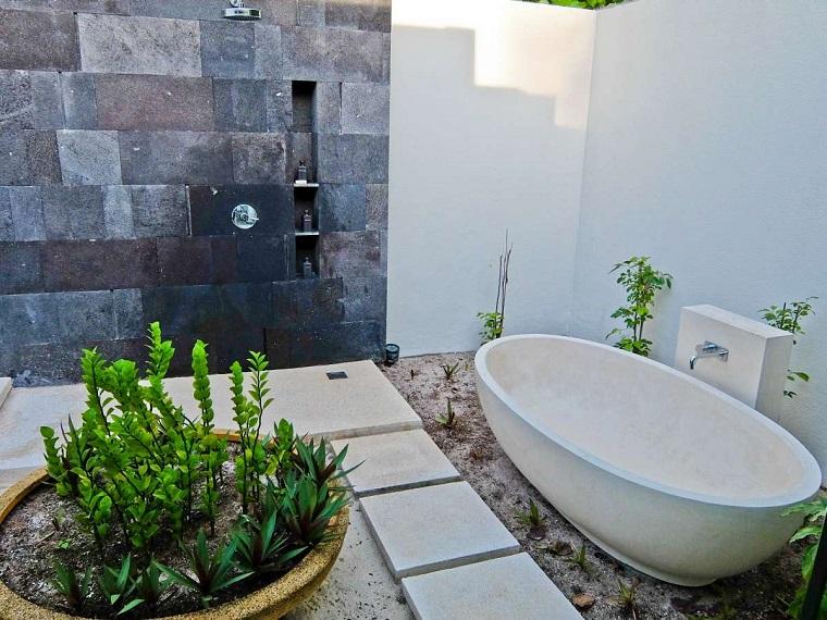 docce-da-giardino-arredamento-vasca
