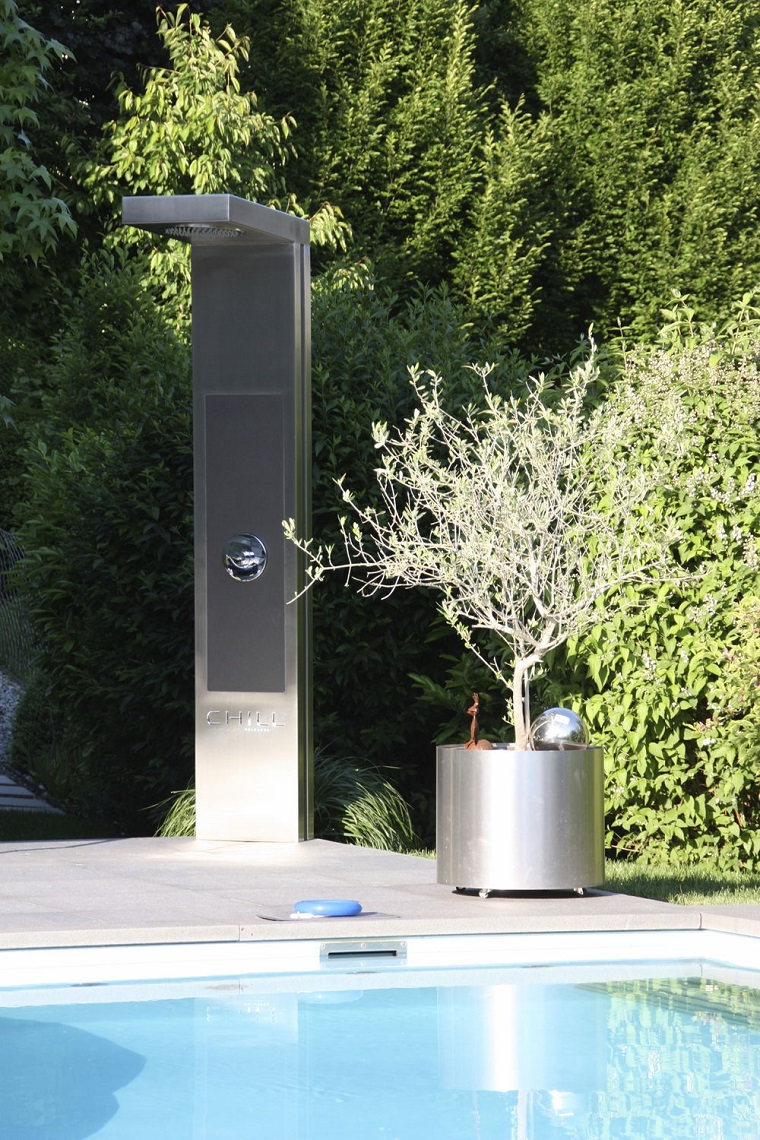 Doccia da giardino un tocco di classe e modernit al for Piscine da giardino design
